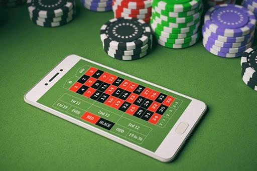Chips at Online casino table
